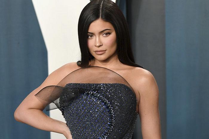 Kylie Jenner Miente Sobre Su Fortuna Y Forbes La Elimina