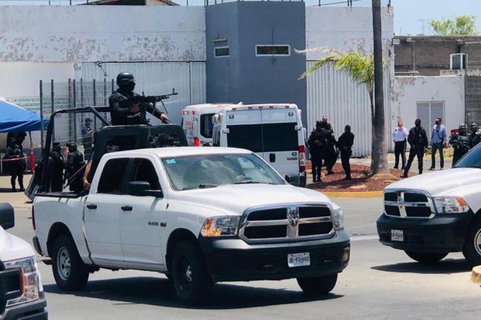 Riña en penal de Puente Grande dejó 7 muertos y varios heridos