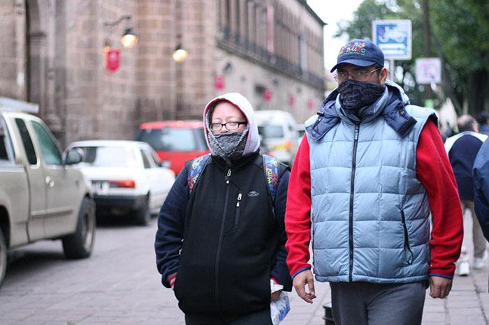 Sentiste frío? Prevén que continúen bajas temperaturas y llaman a tomar precauciones