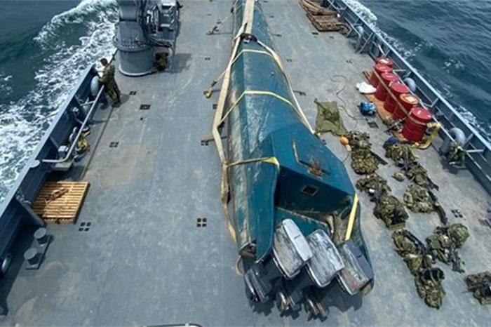 El destino era México: en submarino decomisan 400 kilos de cocaína de las FARC en Colombia